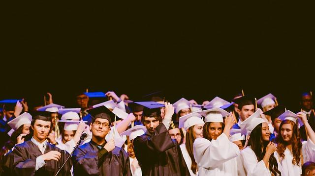 プログリットは卒業後も英語力を向上できる?卒業生の成果とは…